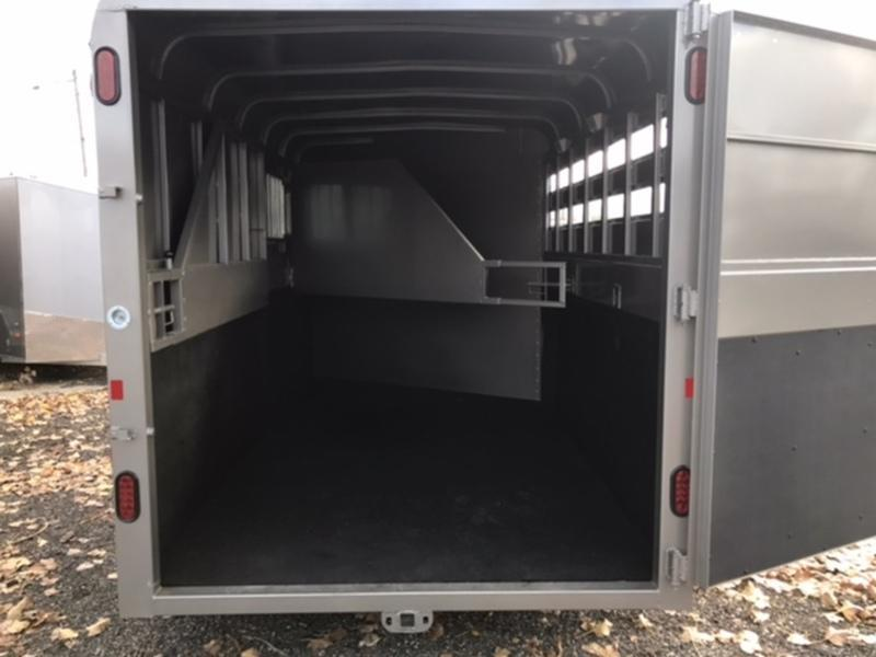 7 X 18 Horse Trailer