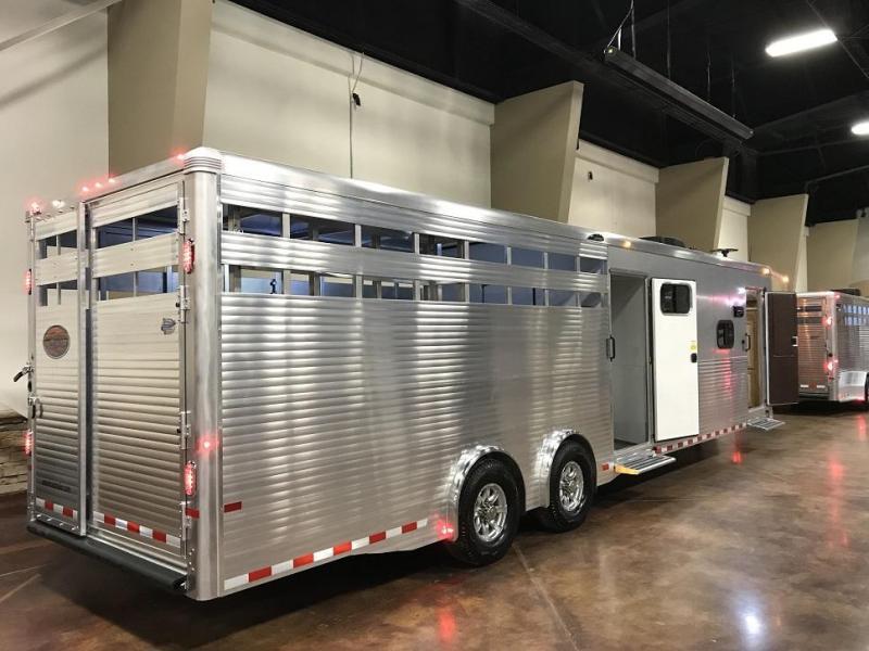 2019 Sundowner 8010 Horizon Livestock Trailer w/ Living Quarters