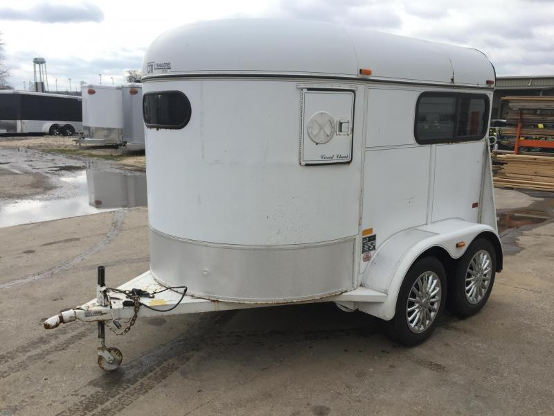 1997 CM 2 Horse Straight Load BP Horse Trailer