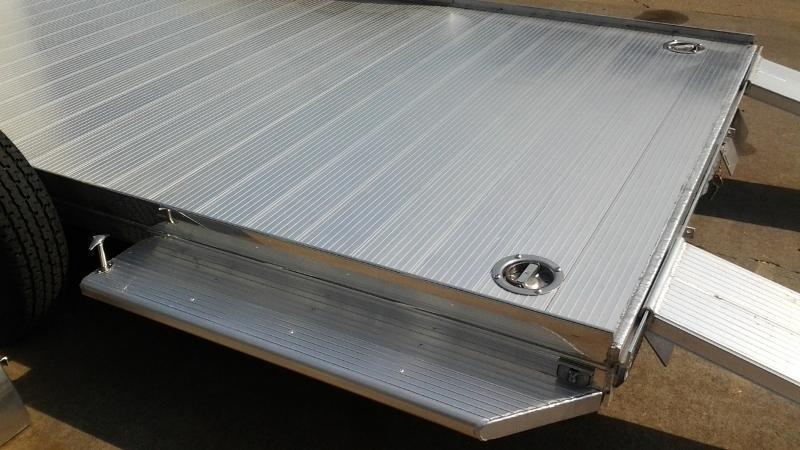 2015 Sundowner Aluminum Enclosed / Open Trailer