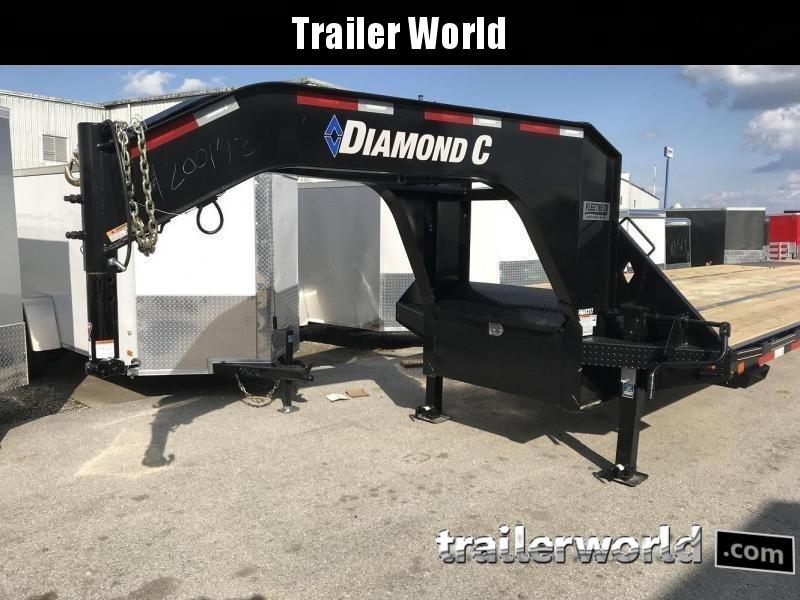 2019 Diamond C FMAX210 32' Hydraulic Dovetail Gooseneck Trailer
