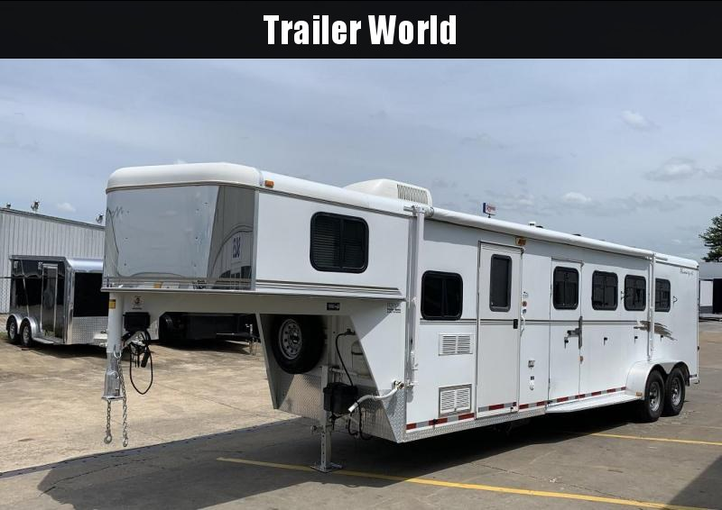 2002 Bison Aluma Sport 8 Living Quarters 4 Horse Trailer in Ashburn, VA