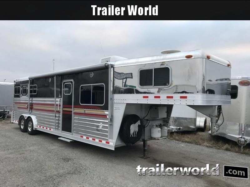 2004 4-Star Trailers Living Quarters 3 Horse Trailer