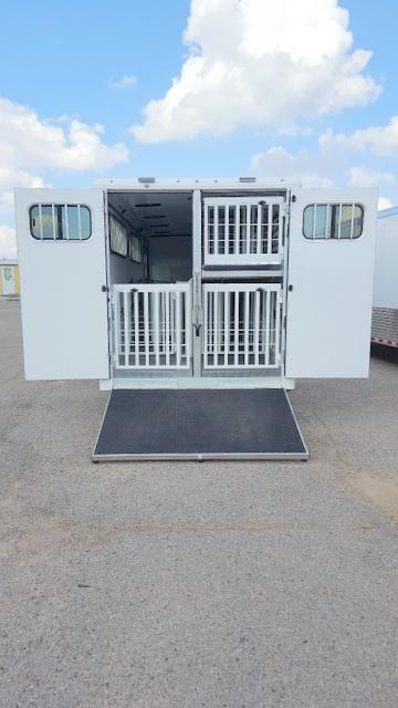 2018 Sundowner Showman 26' Gooseneck DBL Deck Pig Trailer