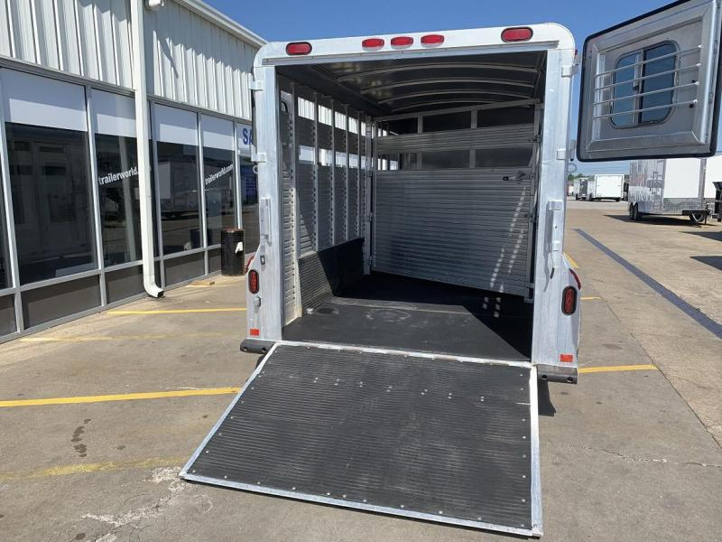 1998 4-Star Trailers Stock Combo 19' Horse Trailer