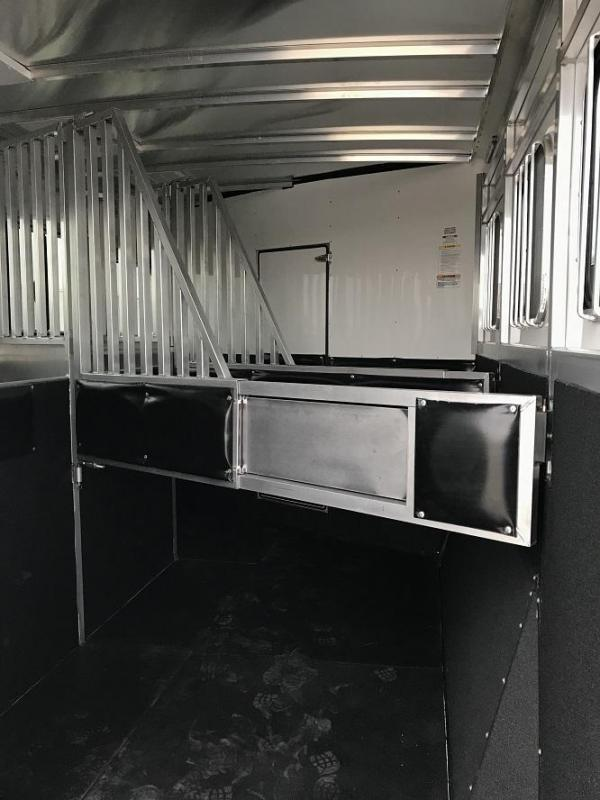 2019 Sundowner Santa Fe Living Quarters 3 Horse Trailer