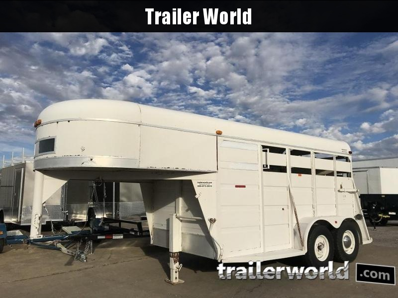 1992 Gooseneck Livestock Cattle Trailer in Ashburn, VA