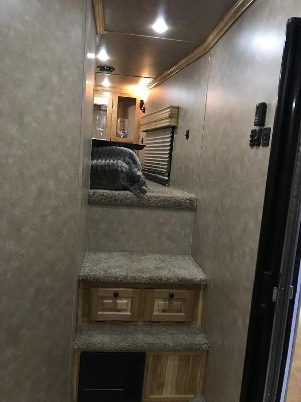 2019 Sundowner 2486SGM 42' Toy Hauler w/ Slide-Out 18' Garage