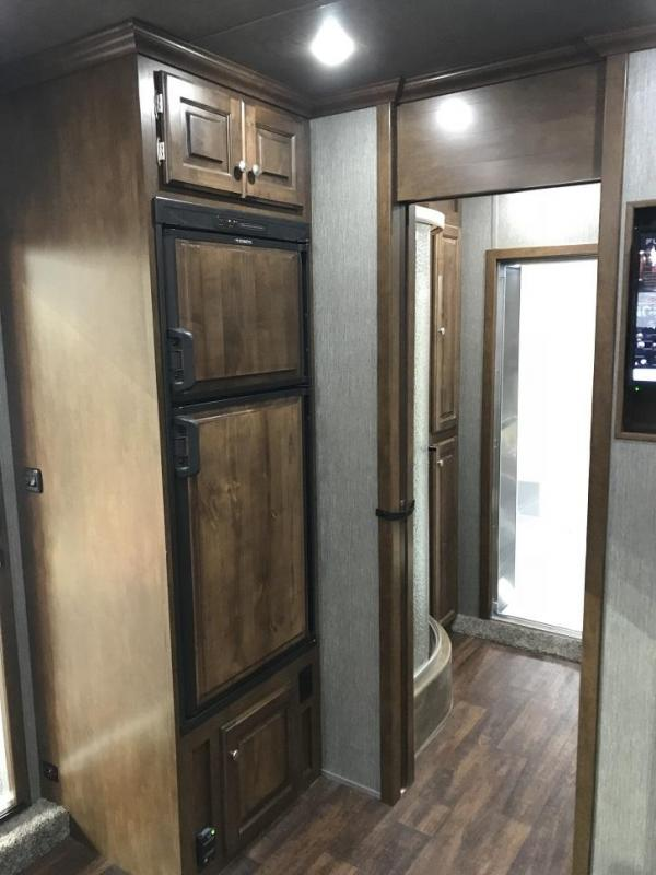 2019 Sundowner 2286SGM 50' Toy Hauler w/ 28' Garage