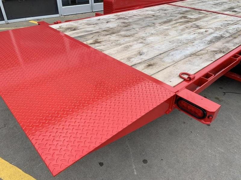 2019 Sure-Trac 18' Tilt Bed Equipment 14k GVWR Oak Deck