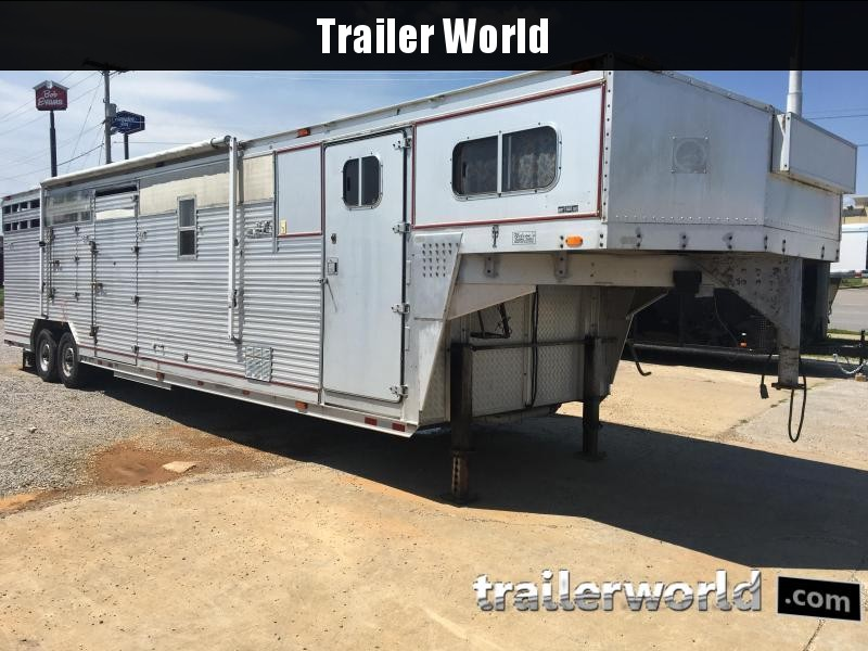 1989 Barrett 32' LQ Livestock Trailer in Ashburn, VA