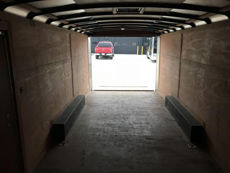 2008 MIDDLEBURY TRAILERS INC 8.5x24 Enclosed Cargo Trailer