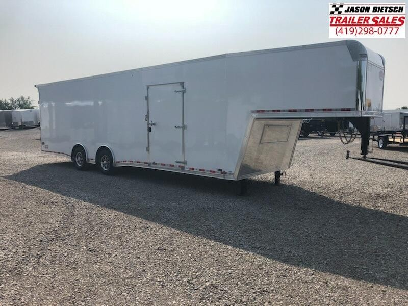 2019 United UXGH 8.5X36 Wide Body Gooseneck Tandem Axle Flat Top....Stock# UN-163777