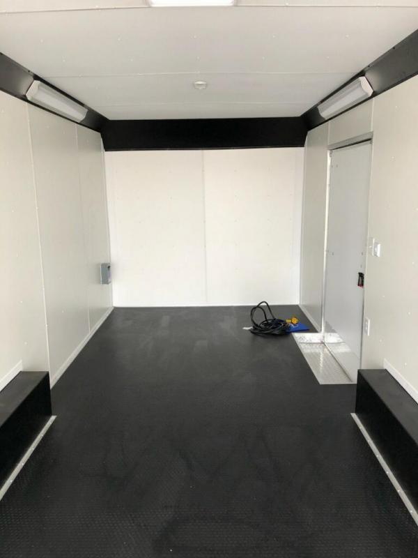 2019 United Trailers UXT 8.5X24 Enclosed Cargo Trailer... STOCK# UN-163219