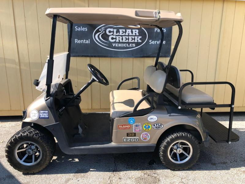 2009 E-Z-GO RXV Electric Golf Cart
