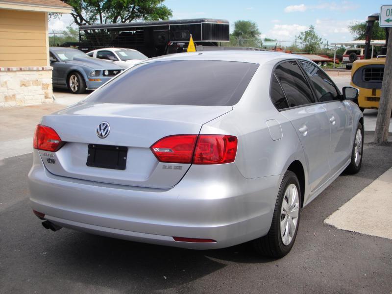 2012 Volkswagen JETTA Car