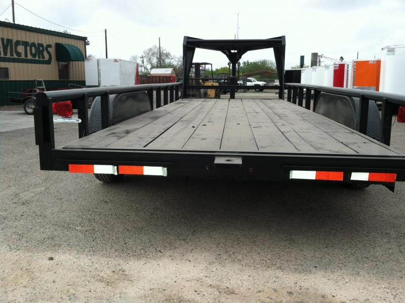 2017 Mr Victors 83X20 HEAVY DUTY GOOSENECK Equipment Trailers
