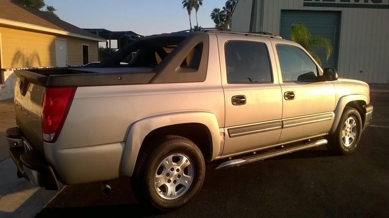 2005 Chevrolet AVALANCHE Truck