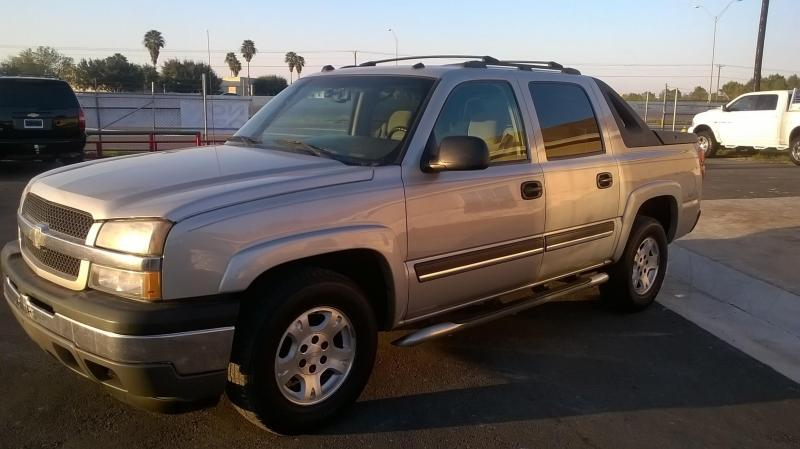 2005 Chevrolet AVALANCHE Truck