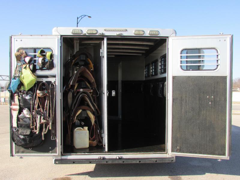 2011 CM CM REVOLUTION 3H Horse Trailer