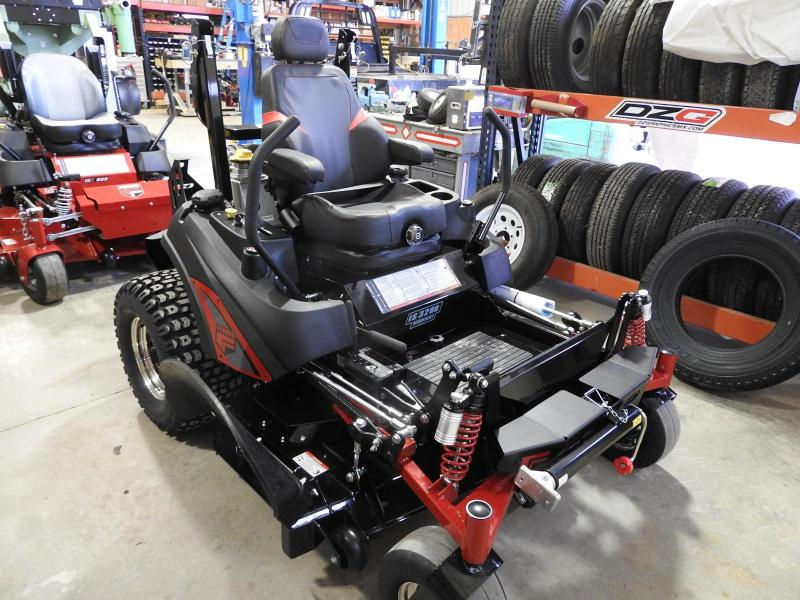 "2019 Ferris Mowers IS 3200 Midnight Edition 61"" Deck"