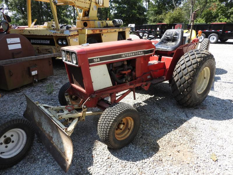 1970 184 Cub Lo-Boy Tractor