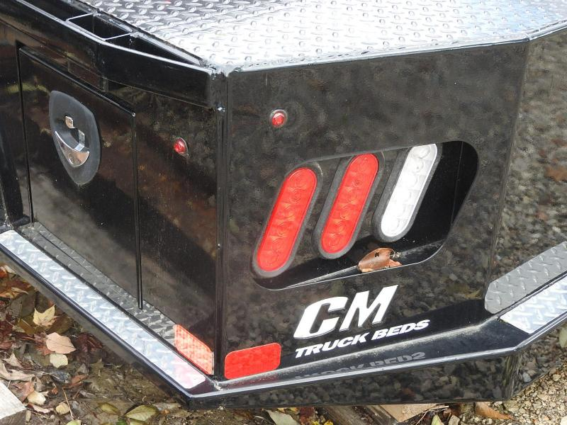 CM SK 8'6/84/56/38 GM 2RTB Truck Bed Scratch and Dent / Equipment