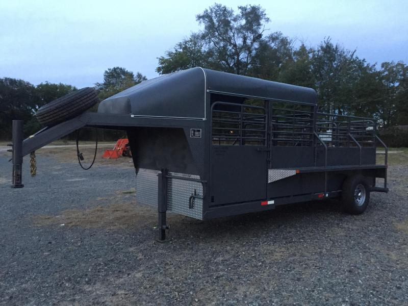 2016 Canyon Creek Gooseneck Half-top Catch Livestock Trailer