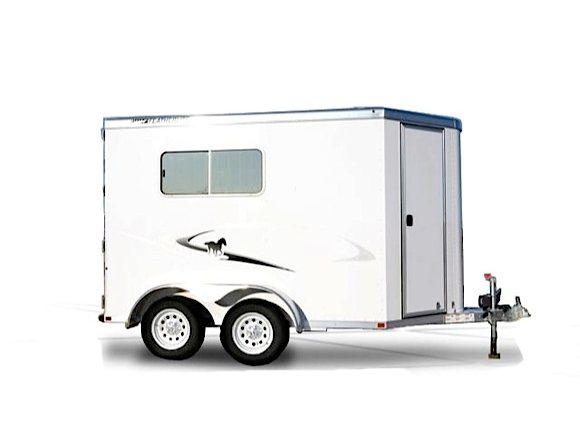 2017 Featherlite 9401 Horse Trailer