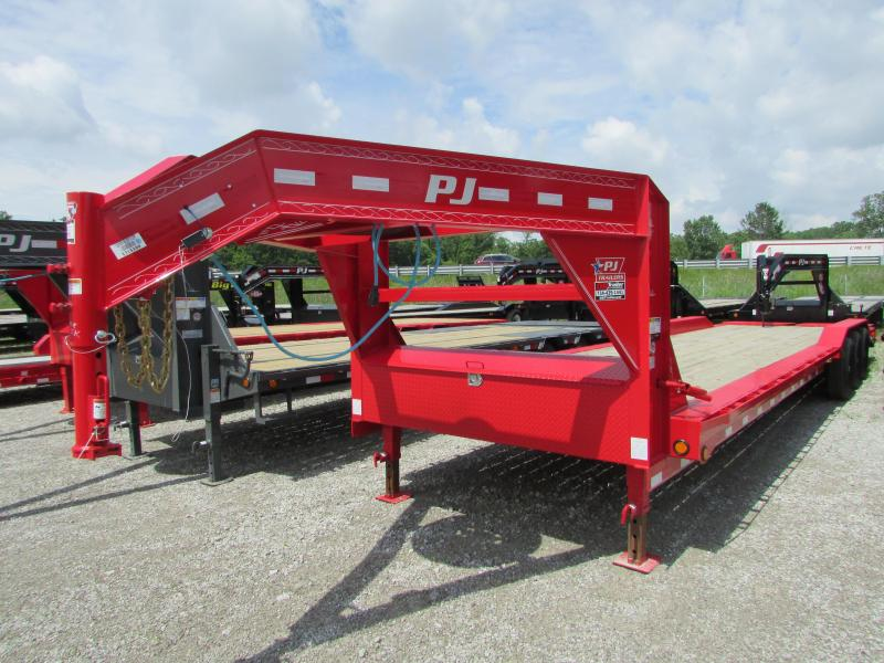 2020 PJ Trailers 34 ft Tri Axle Gooseneck W/ Drive Over Fenders Flatbed Trailer