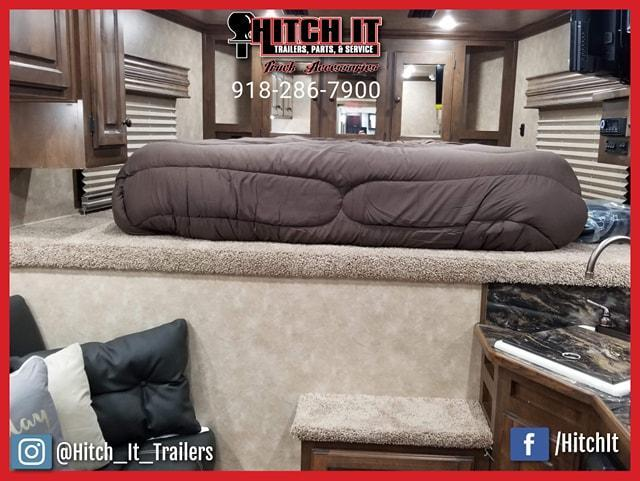 38 ft. Sundowner Gooseneck Toy Hauler Trailers 1786GM @Hitch It Trailers 61 & Hwy 169 Tulsa