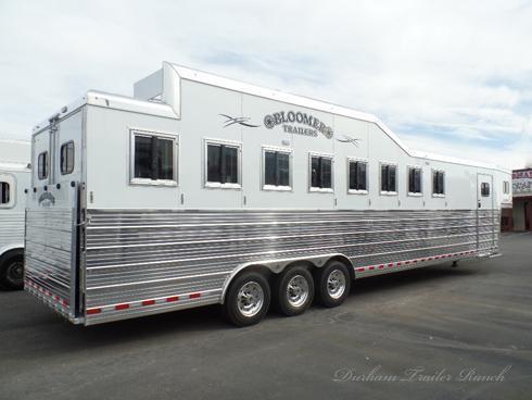 2018 Bloomer 8H Trainer Horse Trailer