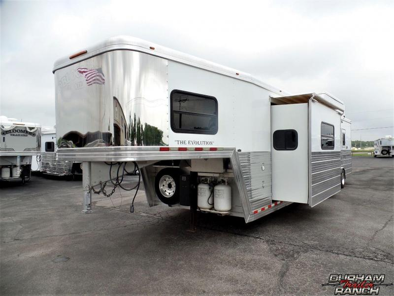 2007 Bloomer 4H 16' SW / Slide Out Horse Trailer