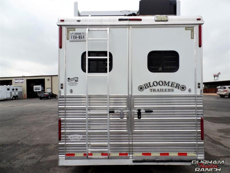 2007 Bloomer 4H 16' SW / Slide Out Horse Trailer