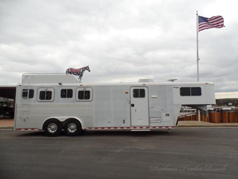 1999 Sooner 4H 8.5ft Short Wall Horse Trailer