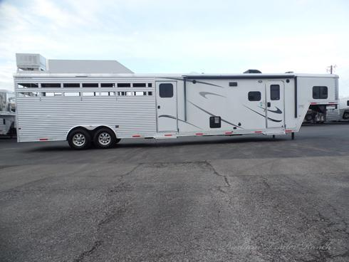 2018 Merhow Stock Combo with Midtack and 13ft LQ Livestock Trailer
