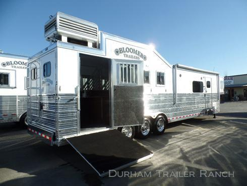 """2018 Bloomer 4H PC Load 15'4"""" SW Horse Trailer"""