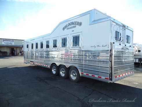 2018 Bloomer 7H Trainer Horse Trailer