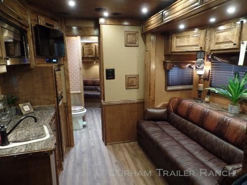 """2018 Bloomer 4H PC Load 19'5"""" SW Horse Trailer"""