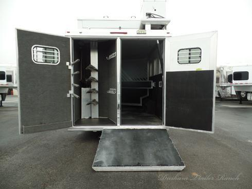 2007 Bloomer 4H 14 ft Short Wall Horse Trailer