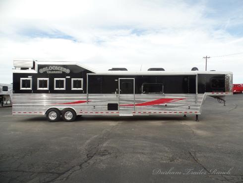 2013 Bloomer 4H 18' SW Horse Trailer