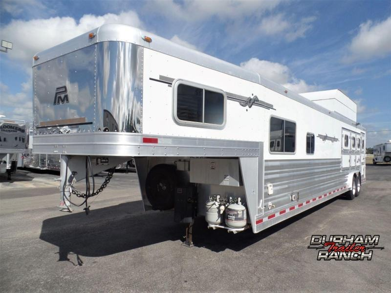 2007 Platinum Coach 4H Reverse Load w/ 14' Short Wall Horse Trailer
