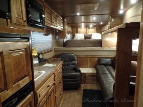2009 Bloomer 5 Horse with 14ft Short Wall Horse Trailer
