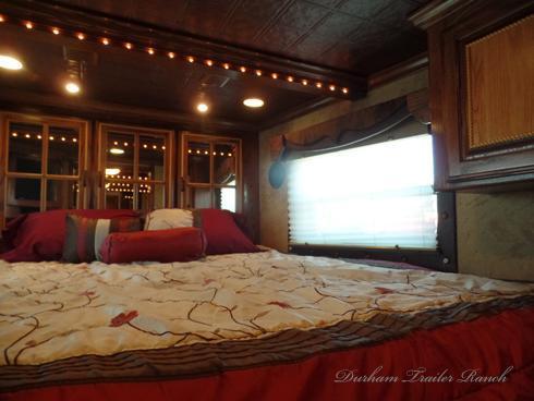 2007 Bloomer 4 Horse 17ft SW 7.5ft Slide Horse Trailer