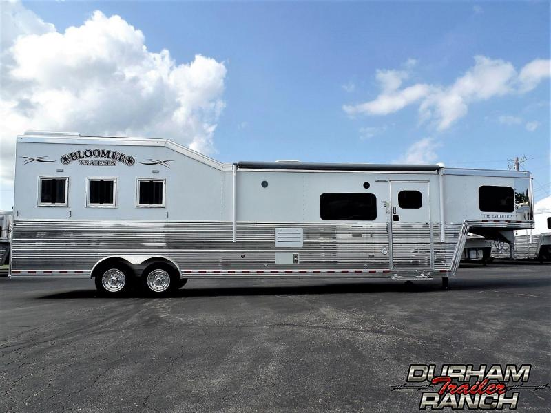 2019 Bloomer 3H Bloomer 15 ft SW w/6 ft Slide Slant Load Horse Trailer