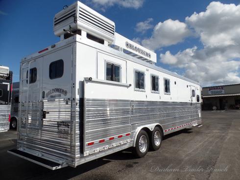 2017 Bloomer 4 Horse PC Load 11' Short Wall