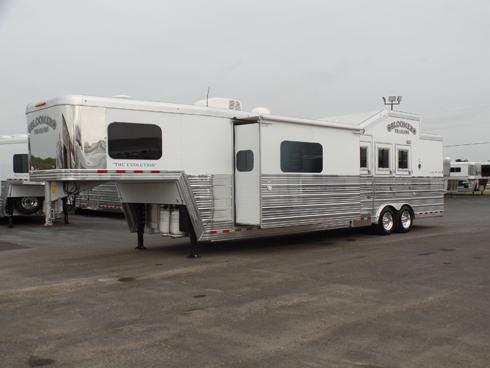 2016 Bloomer 3 Horse PC Side Load 14ft Short Wall Horse Trailer