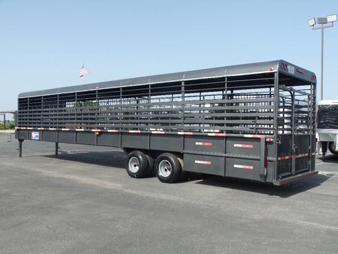 2015 Gooseneck 40' Ground Load Livestock Trailer