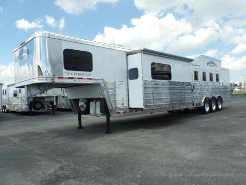2018 Bloomer 4H PC Load 17.5' sw Horse Trailer
