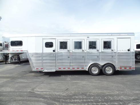2019 Bloomer 4 Horse Trainer Horse Trailer